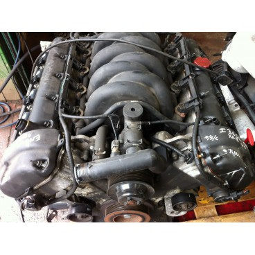 4.0L V8 EARLY ENGINE